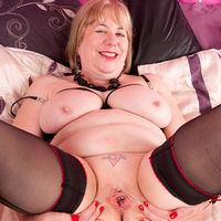 Hot Mature Trisha
