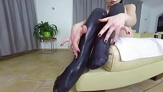 Latex porn sex - Quinn in latex