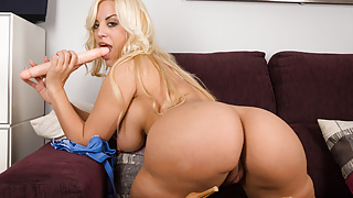 VIRTUAL TABOO - Gorgeous MILF Fesser with hungry pussy